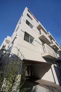 アパートメンツ駒沢大学外観写真