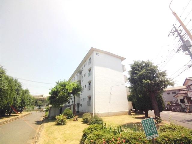上尾根貝戸団地12号棟外観写真