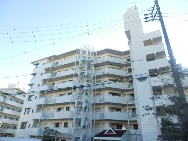 荘苑 八事ビラージュ 壱番館外観写真