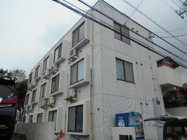 関戸マンション外観写真
