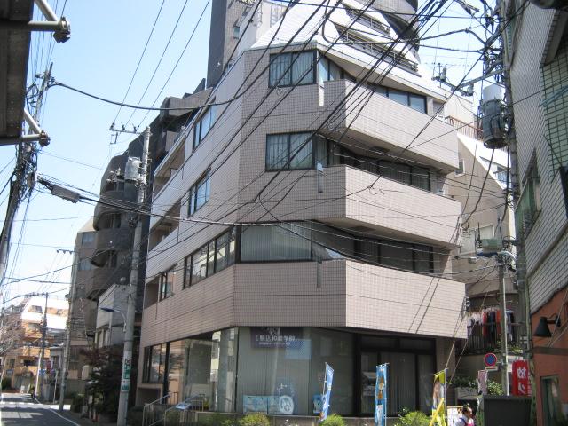 駒込和装学院ビル外観写真