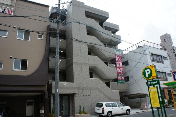 メゾンドガスパール名駅外観写真