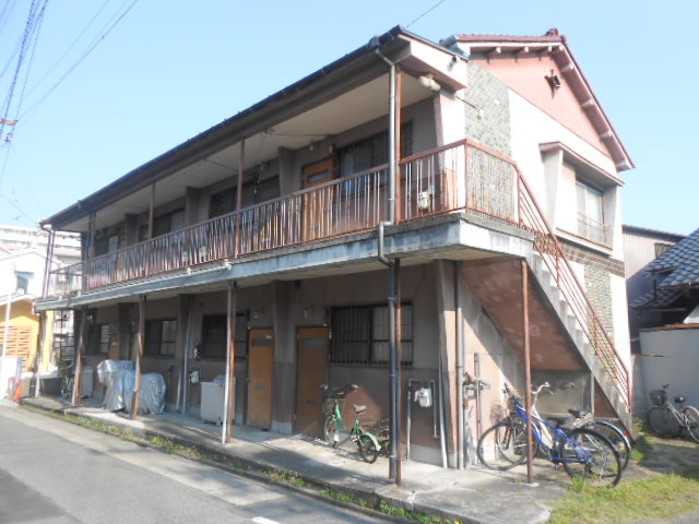 八尾荘 南棟外観写真