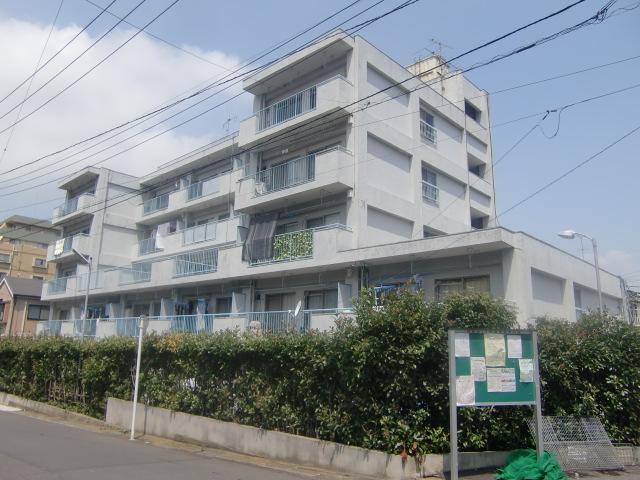 アパートメントマコト1号館外観写真