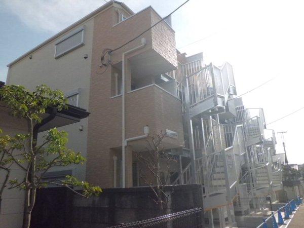 ペルショワール金沢八景外観写真