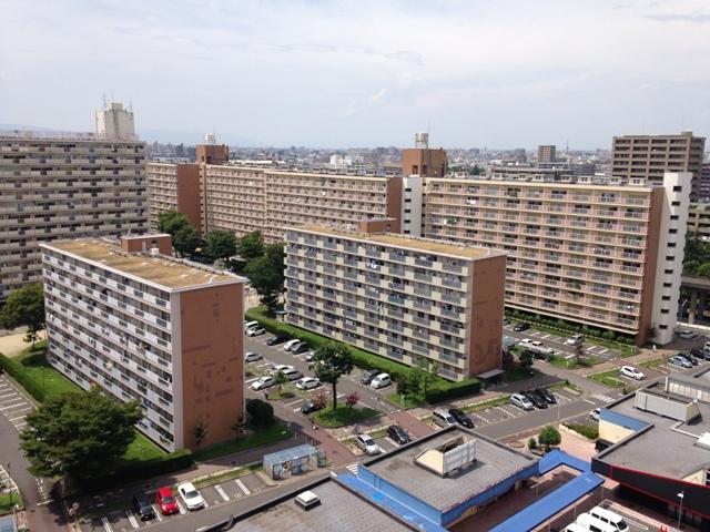 中駒九番団地 3号棟外観写真