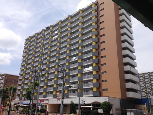 中駒九番団地 7号棟外観写真