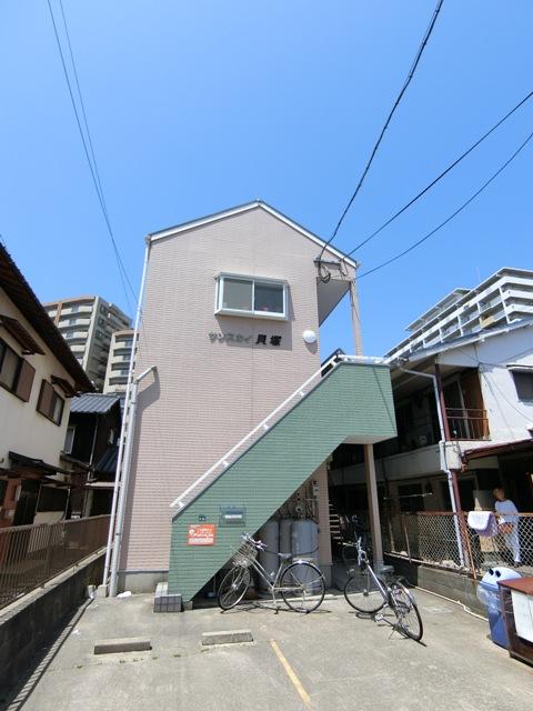 サンスカイ貝塚駅前外観写真