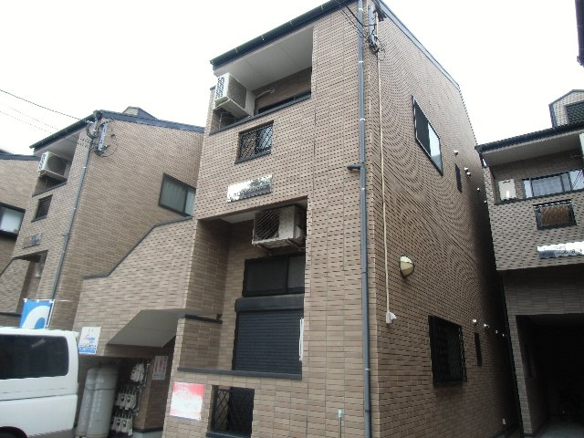 レガロハイツ吉塚東外観写真