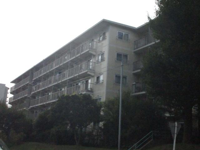 稲毛ファミールハイツ3号棟外観写真