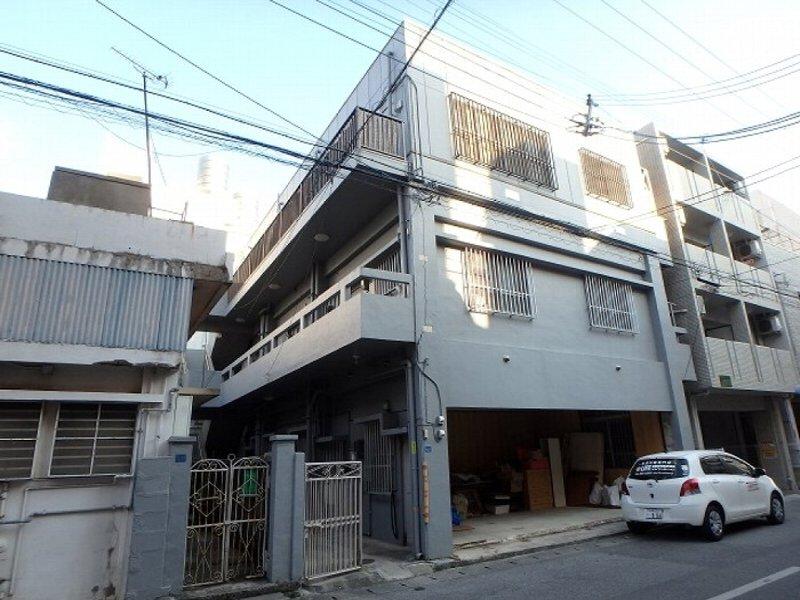 瑞慶山アパート外観写真