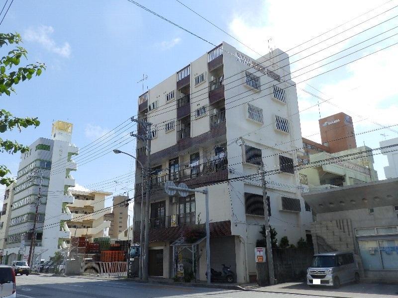 儀間アパートA棟外観写真