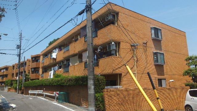 八事八幡山マンション東館外観写真