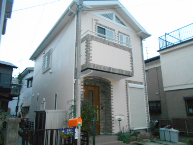 中新田三丁目貸家外観写真