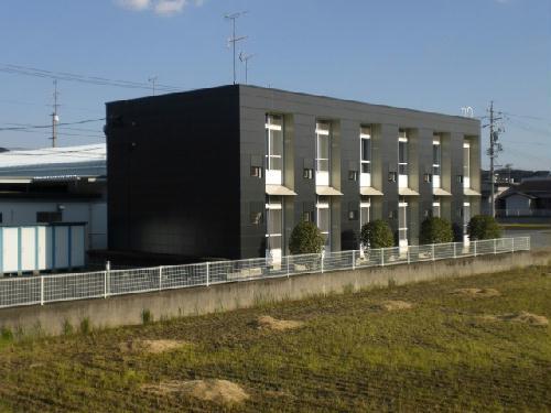 レオパレスT.K.N外観写真