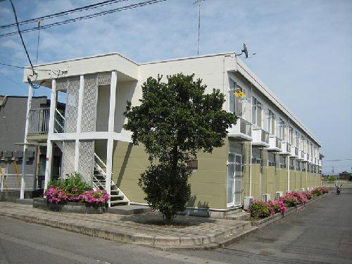 レオパレスウィステリア外観写真