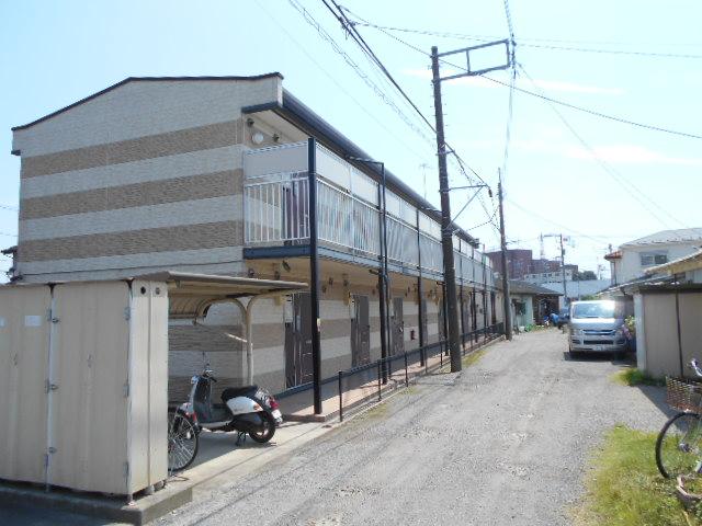 レオパレスフロンティア外観写真