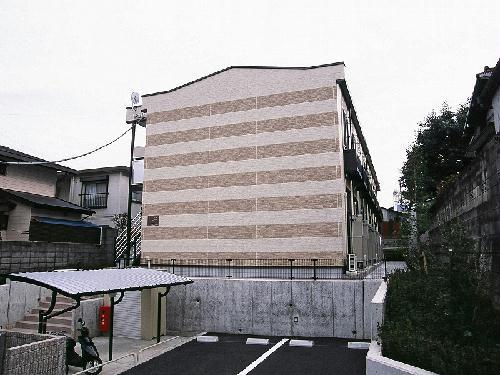 レオパレスアルファード外観写真