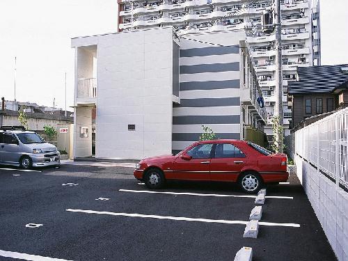 レオパレスルナ外観写真