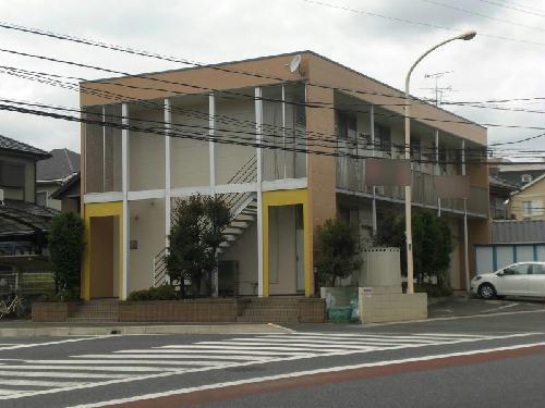 レオパレスカメリア外観写真