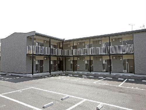レオパレスネオ塚原台外観写真