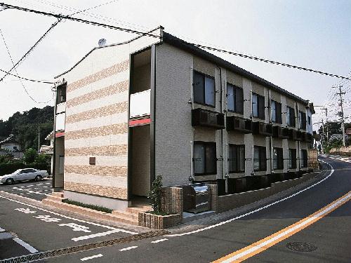 レオパレス箱根ヶ崎新宿坂外観写真