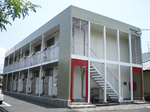 レオパレスプレジデント倉石外観写真