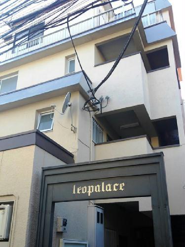 レオパレス新宿A館外観写真