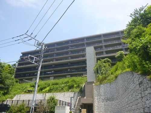 アデニウム鎌倉山外観写真