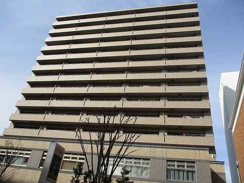 サーパス県庁前通り外観写真