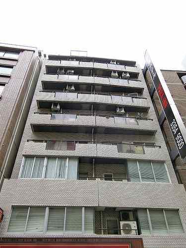 ラフィネ新宿外観写真