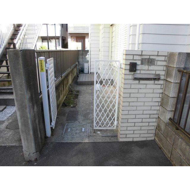 日吉本町4丁目貸家外観写真
