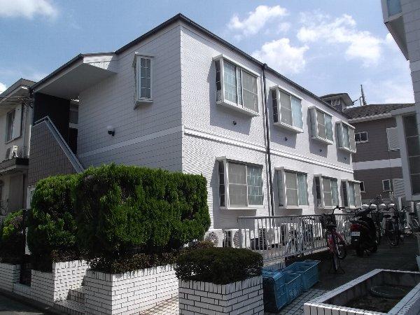 ホワイトハウス西綾瀬B外観写真