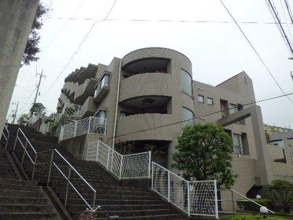 モアクレスト金沢文庫外観写真