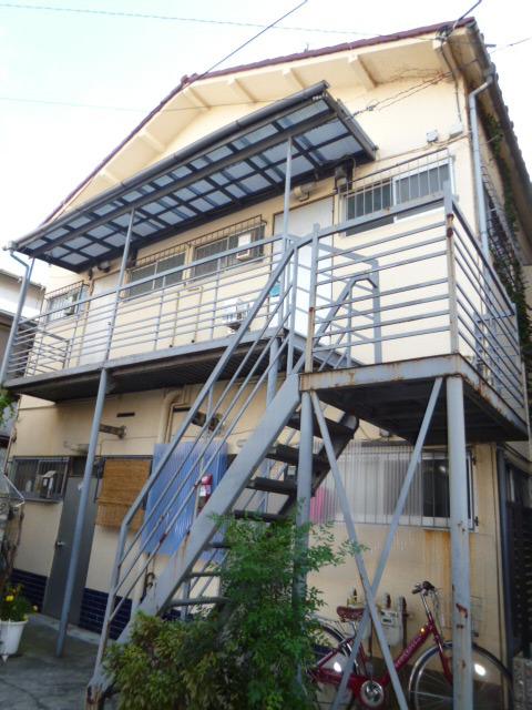 上高田鈴和アパート外観写真