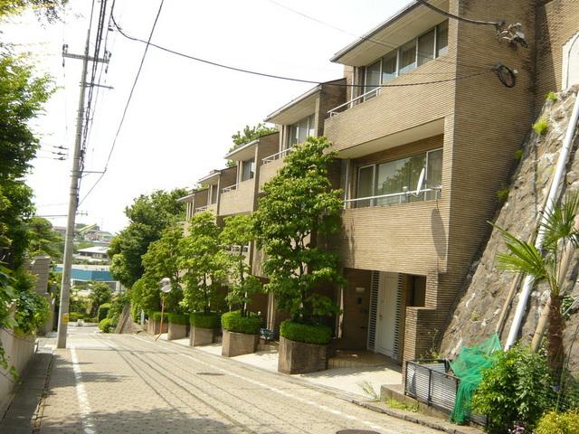 岡本ヒルサイドハウス外観写真