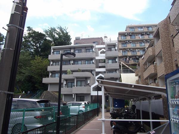 コスモ百合ヶ丘高石外観写真