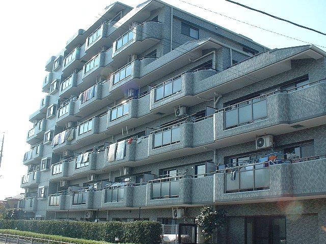 ライオンズマンション越谷南外観写真