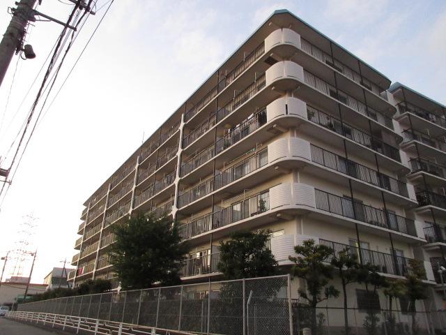 ニューライフマンション大倉山外観写真