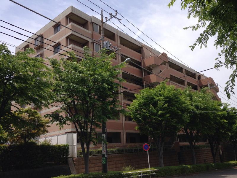 ライオンズマンション稲城外観写真