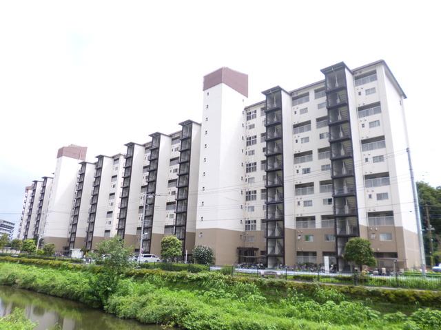 狛江ハイタウン3号棟外観写真