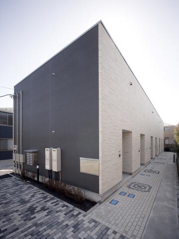 リブリ・エテルノ・セラ5号館外観写真