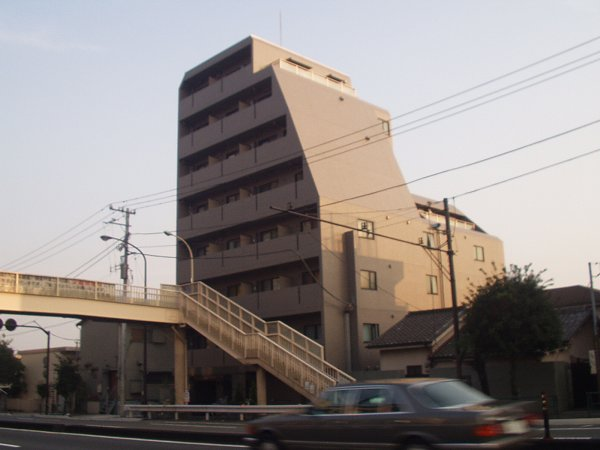 ルーブル学芸大学参番館外観写真
