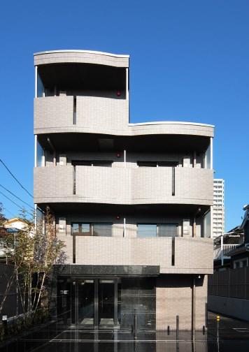 ルーブル駒沢大学参番館外観写真