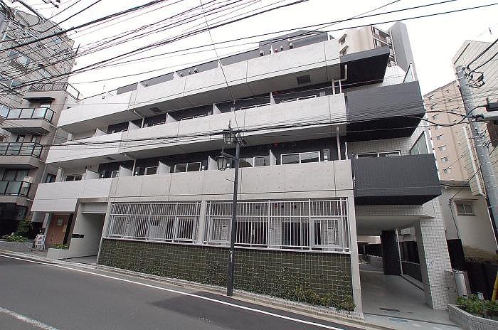 ステージファースト東新宿外観写真