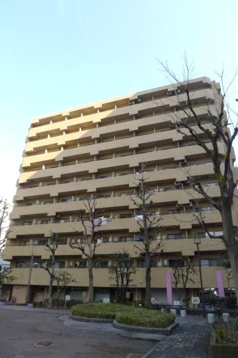ライオンズマンション新宿東公園外観写真