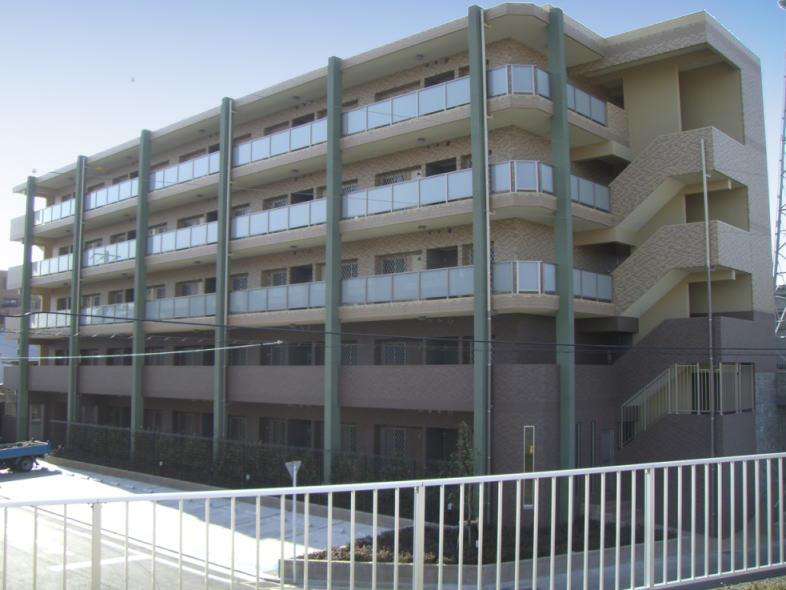 アスティ ヴィータA棟外観写真