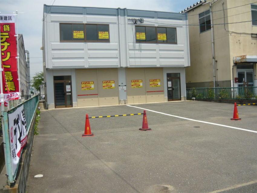 村上倉庫付事務所外観写真