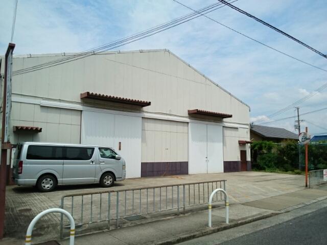 八木美智子倉庫外観写真