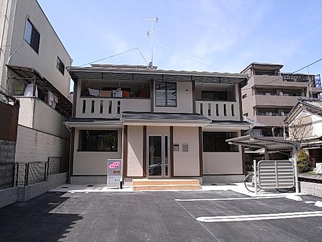EAST HOUSE・東本願寺外観写真